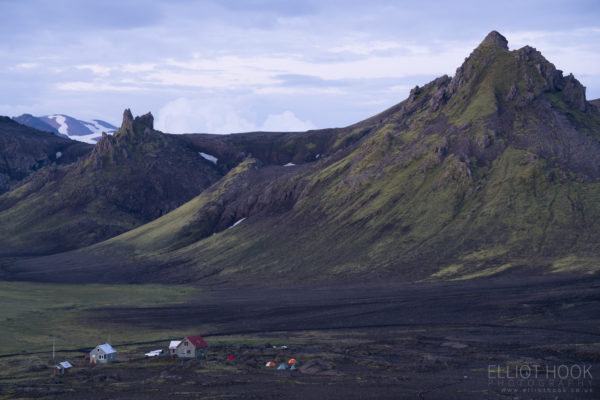 Hvanngil huts at twilight on the Laugavegur trail