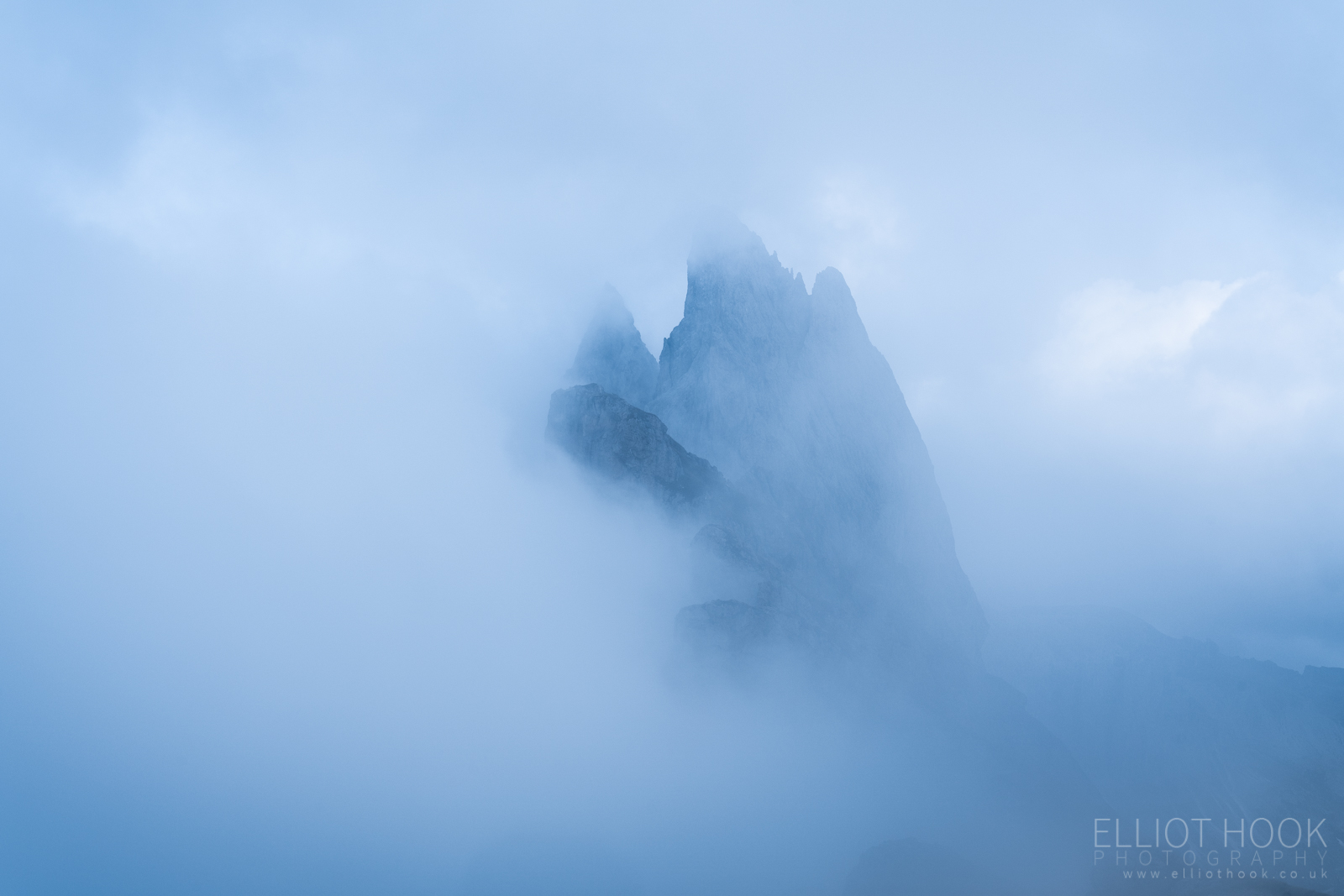 Seceda in the cloud, Dolomites